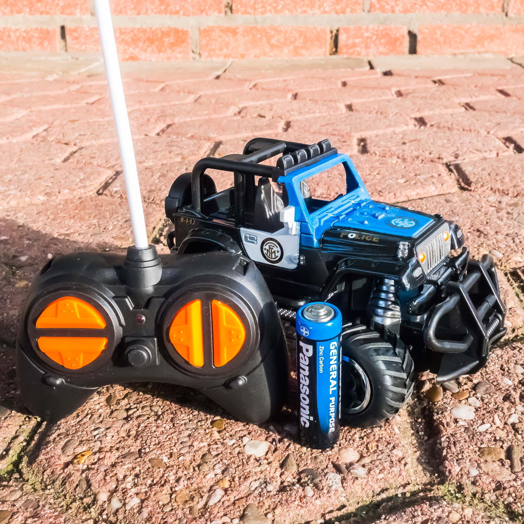 RC-Mini-Rock-Crawler-cross-country-Monster-Truck-POLIZEI-6146D